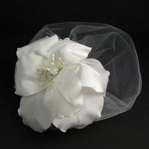 Kwiat ślubny, fascynator.