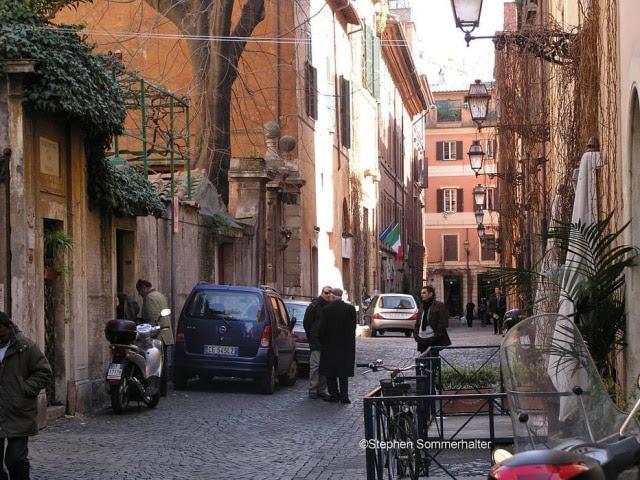 Via Margutta, 51: eis o endereço do jornalista Joe Bradley na Roma de hoje