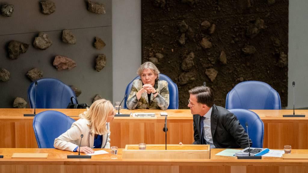 Debat over Afghanistan uren later van start, omdat Kamer niet alle stukken had
