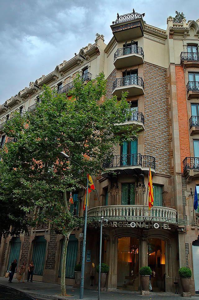Comtes de Barcelona Hotel at Passeig de Gracia 73 [enlarge]