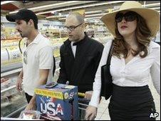 Israeli actors filming of the advert