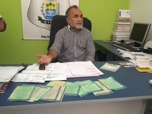 Delegado Canabrava explica como o bando agia em  Teresina (Foto: Gil Oliveira/G1)