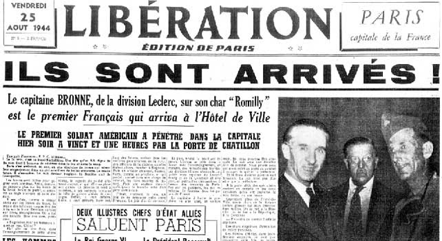Portada del periódico francés 'Libération' que muestra una foto en la que se puede ver a la derecha al primer soldado del ejército francés que entró en París para liberar la ciudad en agosto de 1944.
