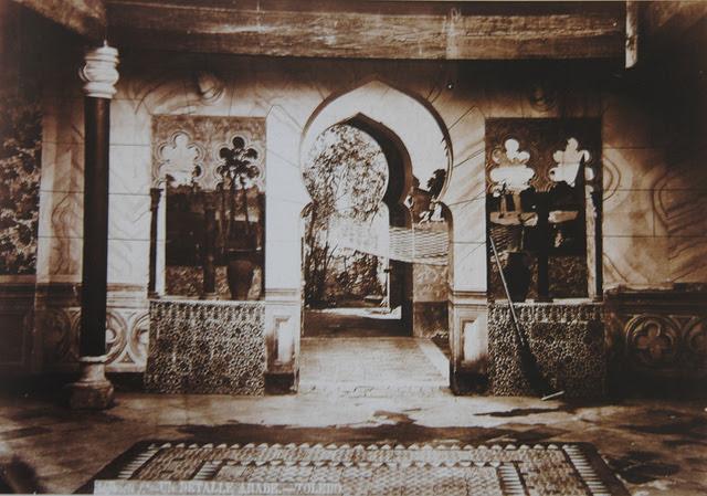 Patio de la Calle Santa Úrsula 11 a finales del siglo XIX. Foto Casiano Alguacil