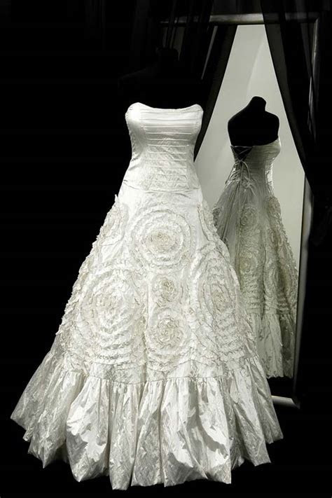 Goes Wedding » Wedding Dress Design For Bridal Gown in