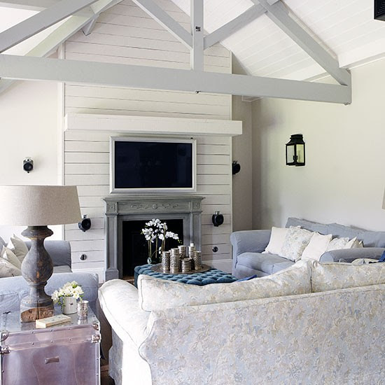 Living room sofa | Herfordshire barn conversion | House tour | PHOTO GALLERY | Country Homes & Interiors | Housetohome.co.uk