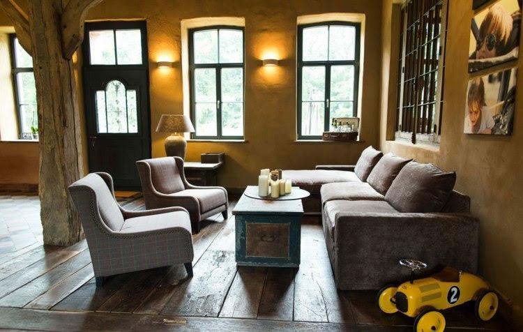 Wohnzimmer Couch mit anderen Sitzgelegenheiten kombinieren ...
