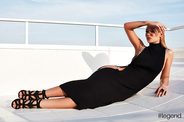 Ahoy! She also sore a black sleeveless midi dress with a revealing cutout at the side