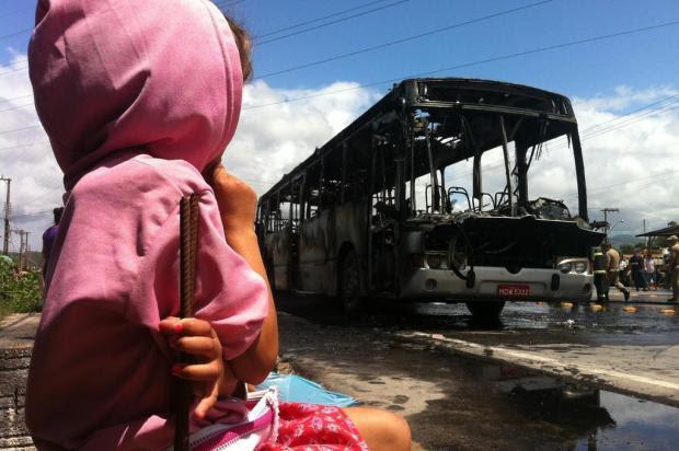 Mais um ônibus é alvo de ataque em São José, na Grande Florianópolis Guto Kuerten/Agencia RBS