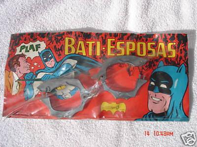 batman_batcuffs_samerica