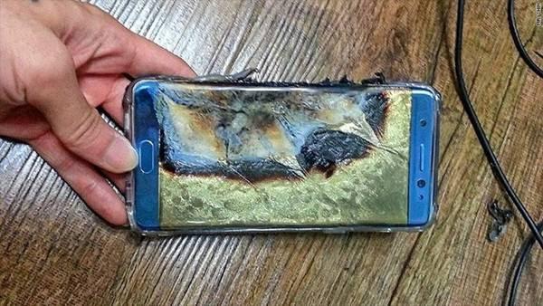 Así quedó el smartphone Galaxy Note 7 tras la explosión de su batería.