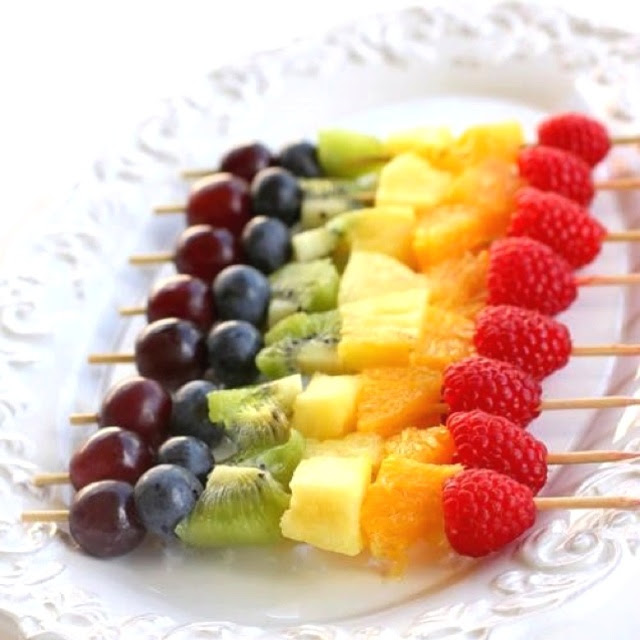 #foodfun Rainbow fruit. Great idea for a brunch party.