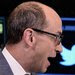 Live Blog: Twitter Opens With a Pop