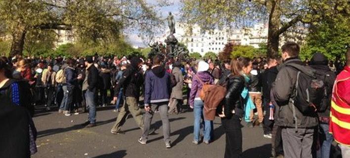 Αγρια επεισόδια, δακρυγόνα, συλλήψεις και συγκρούσεις στο Παρίσι [εικόνες & βίντεο]