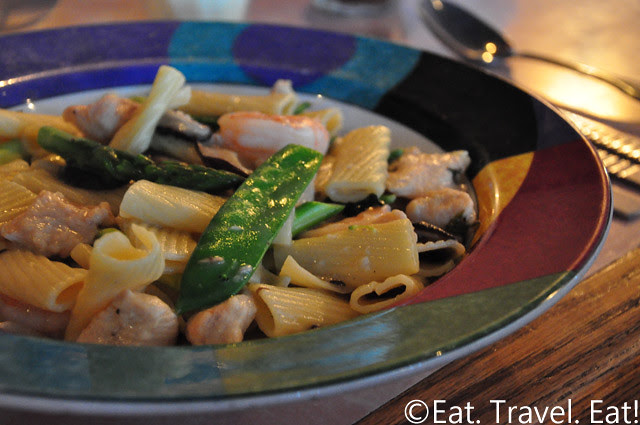 Sesame Grill: Rigatoni with Chicken, Shrimp, and Mushrooms in Garlic Wine Sauce