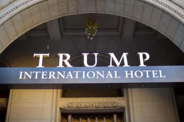L'extérieur de l'hôtel Trump, à Washington... (ARCHIVES AP)