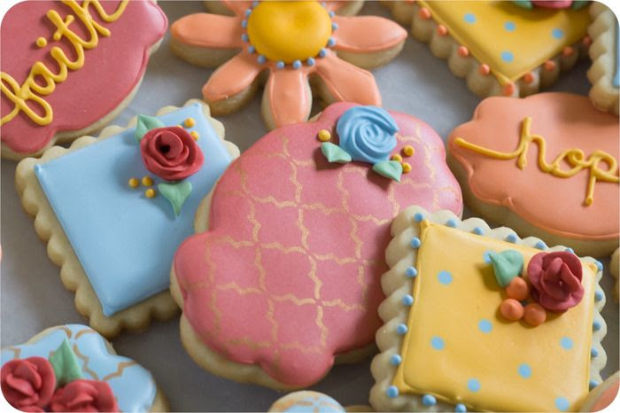 fall floral decorated cookies ... how to mix colors to achieve this color palette