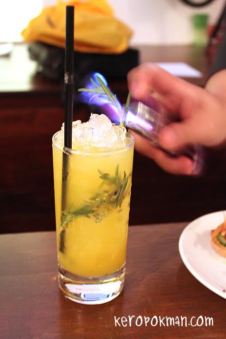 Maison Ikkoku Bar - MI2 Passionate Moment