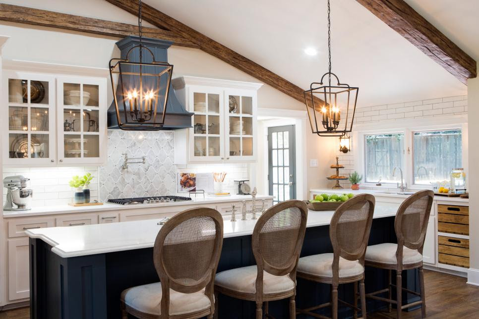 Fixer Upper Season 4 Episode 1