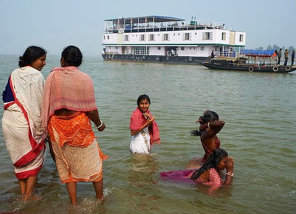 India, boat on the Hooghly river.