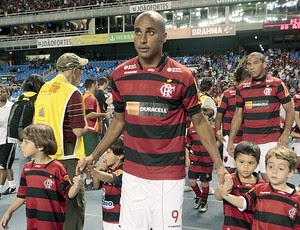 Deivid na entrada de campo do Flamengo (Foto: Alexandre Vidal / Fla Imagem)