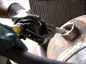 Diesel comercializado atualmente no país conta com percentual de 7% de biodiesel (Foto: Reprodução/TV Morena)