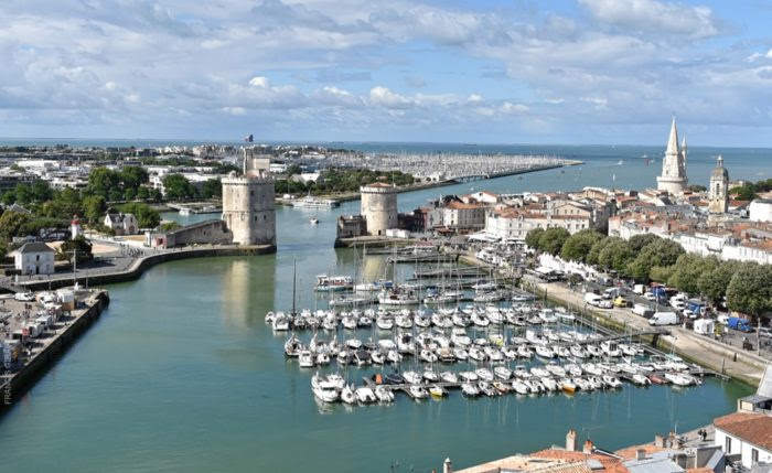 la-rochelle-old-walled-harbour-700x429 10 Beautiful Destinations in Western France You Can Reach By Ferry