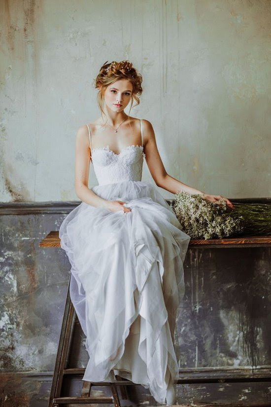 sweetheart tulle boho wedding dress