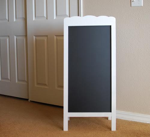 Diy Scalloped Chalkboard Easel Tutorial