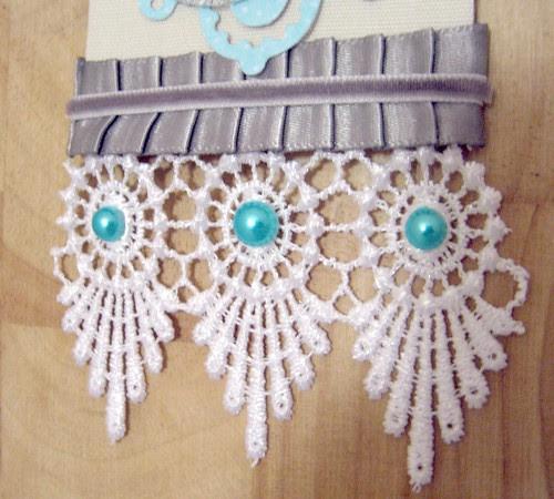 lace detail Xmas tag