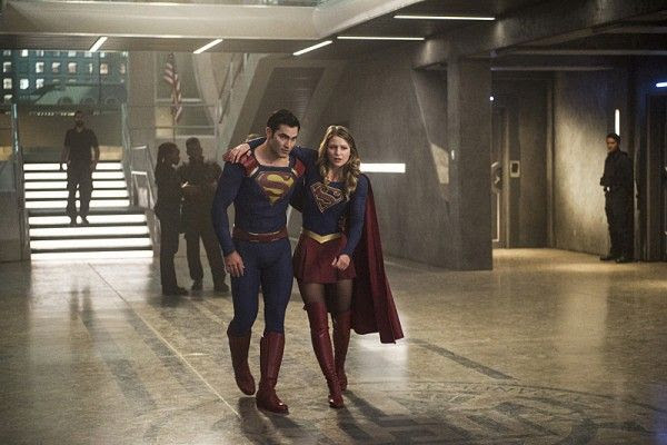 supergirl-season-2-superman-melissa-benoist-tyler-hoechlin-4