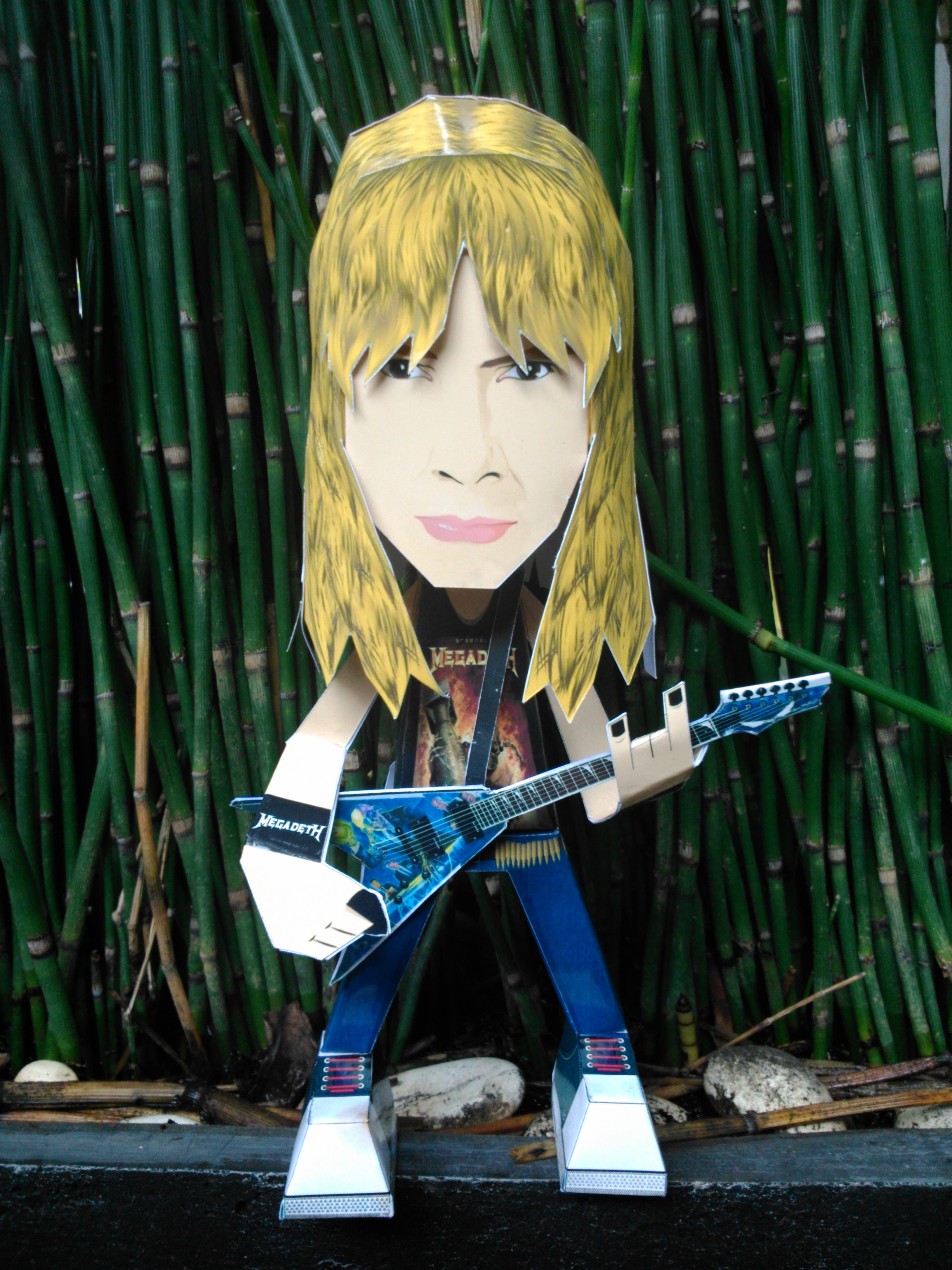 Dave Mustaine Papercraft