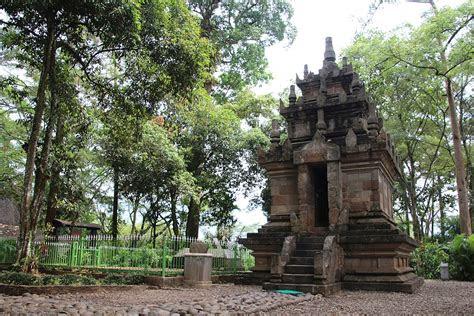 candi cangkuang wikipedia bahasa indonesia ensiklopedia