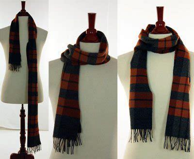 tying  mans scarf   tie