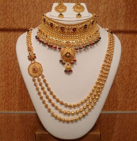 A Guide To Pick Latest Gold Jewellery Designs For Weddings