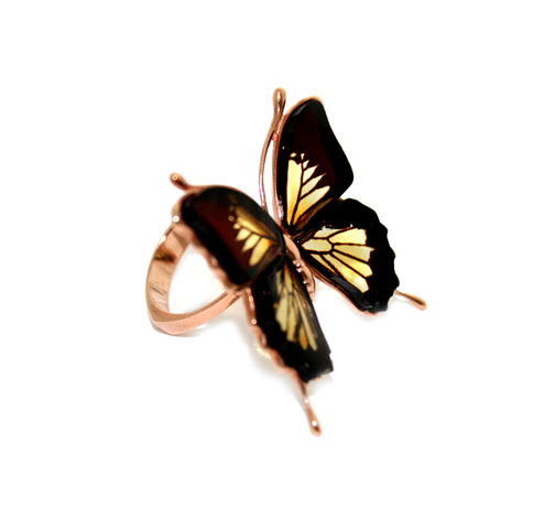 Butterfly ring in silver with amber from Ambermix