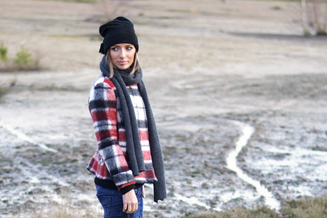 nelly bad hair day hat zara tartan jacket zara trf basic jeans asos perforated golden mesh slip ons outfit post inspiration fashion blogger turn it inside out belgium