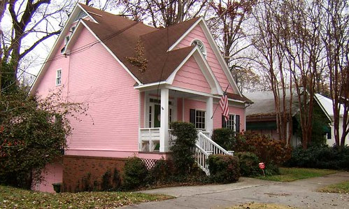 PC041431-Pink-House-Poncey