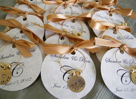 Personalized Wedding Gifts ideas and Unique Wedding Gifts