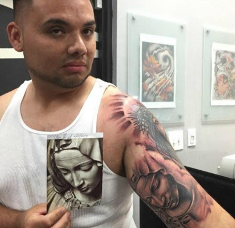 25 Stunning Virgin Mary Shoulder Tattoos