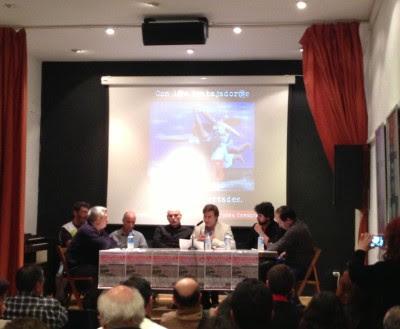 Los ponentes de la Plataforma en Defensa de la Libertades Democráticas en el Club de Amigos de la Unesco.