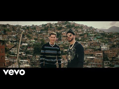 Yandel ft Guaynaa - Full Moon ( Vídeo Oficial )