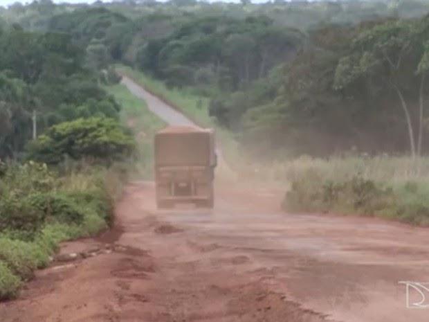 Transportadores de soja reclamam das condições da BR-230, no MA