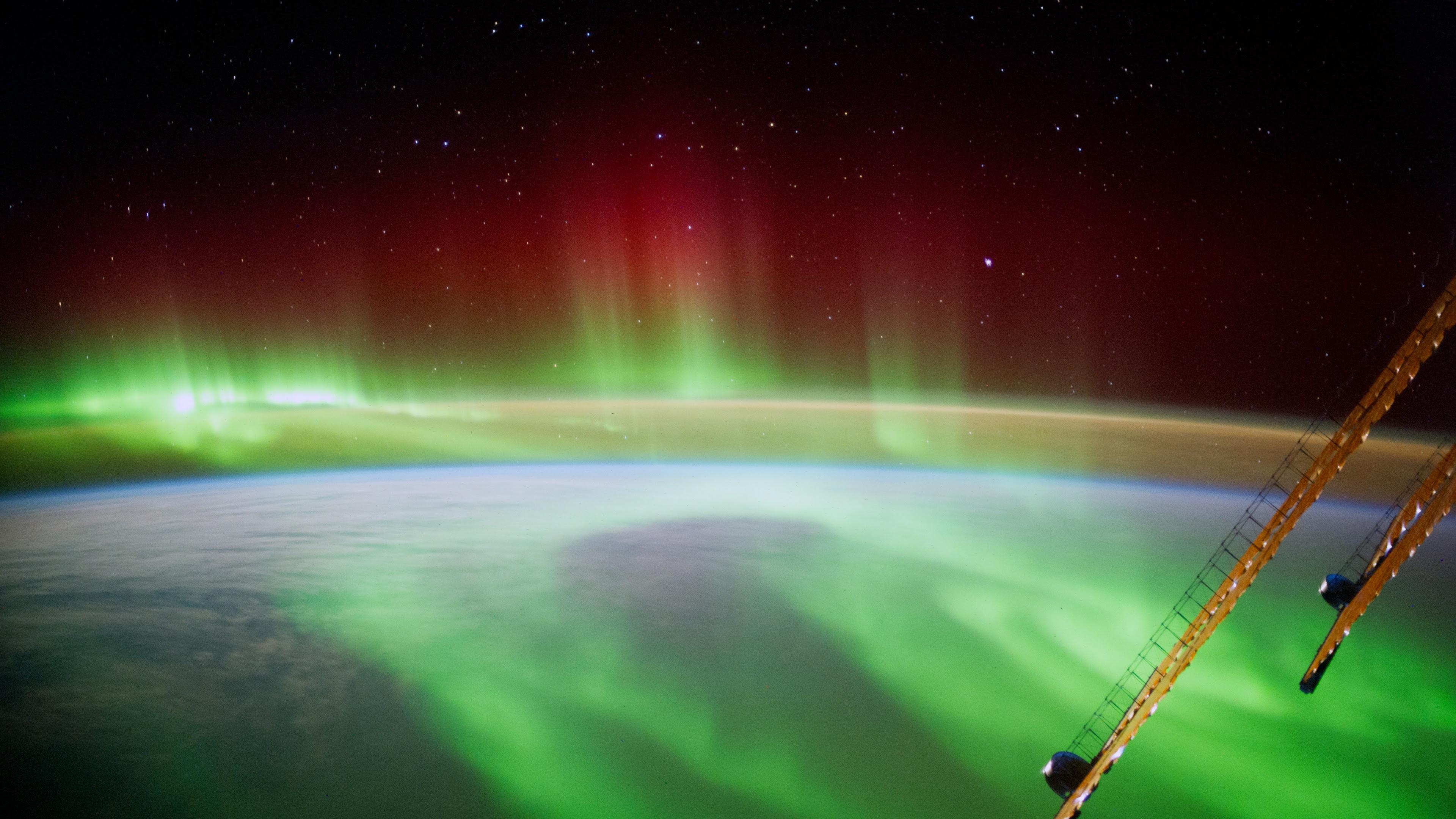 aurora borealis international space station photography Alexander Gerst