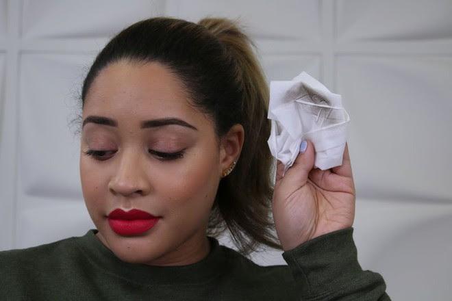 Cô nàng này đã dùng thử loại phấn ngụy trang tóc thưa, che da đầu có giá chỉ khoảng 300.000VNĐ và đây là kết quả - Ảnh 7.