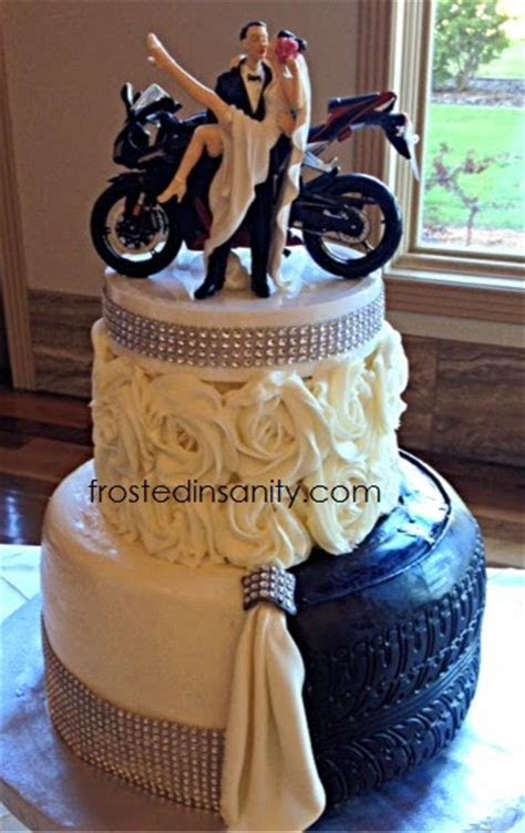 Frosted Insanity: Wedding Cakes & Groom's Cakes