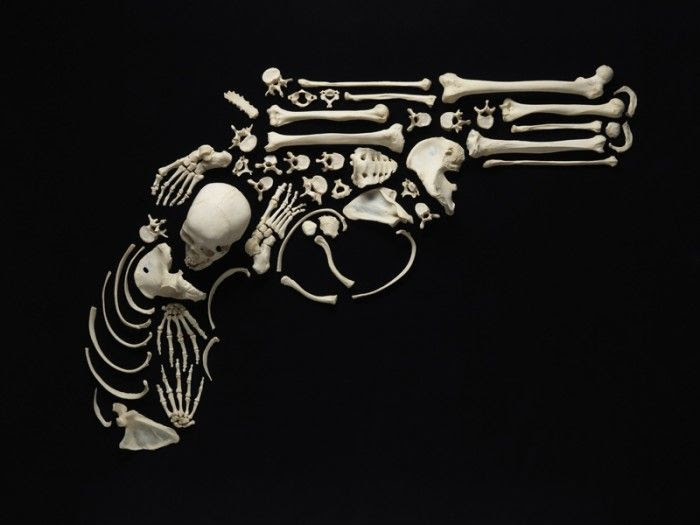 Art Made from Real Human Bones (12 pics)