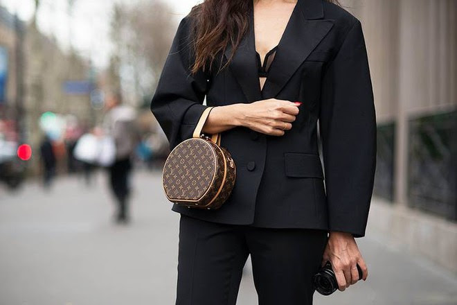 LV Petite Boite Chapeau - chiếc túi có gì đặc biệt mà khiến các tín đồ thời trang thi nhau đụng hàng - Ảnh 7.