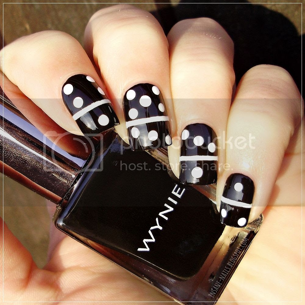photo matching-manicures-black-and-white-1_zpsa0rpjbse.jpg