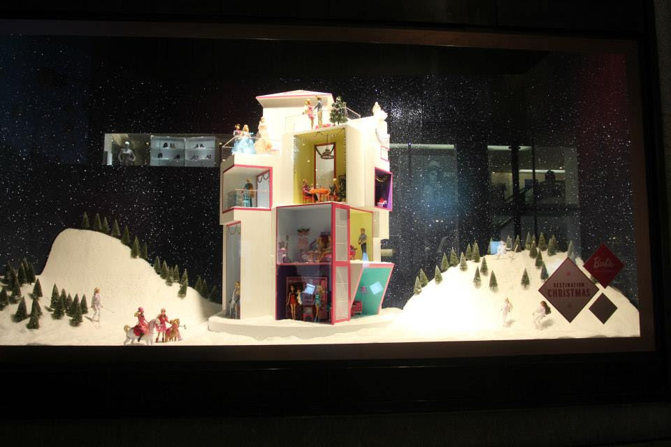 best-window-displays_selfridges_2013_christmas_destination-christmas_13